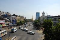 Vista de la avenida Sule Paya. Al fondo la Sule Paya