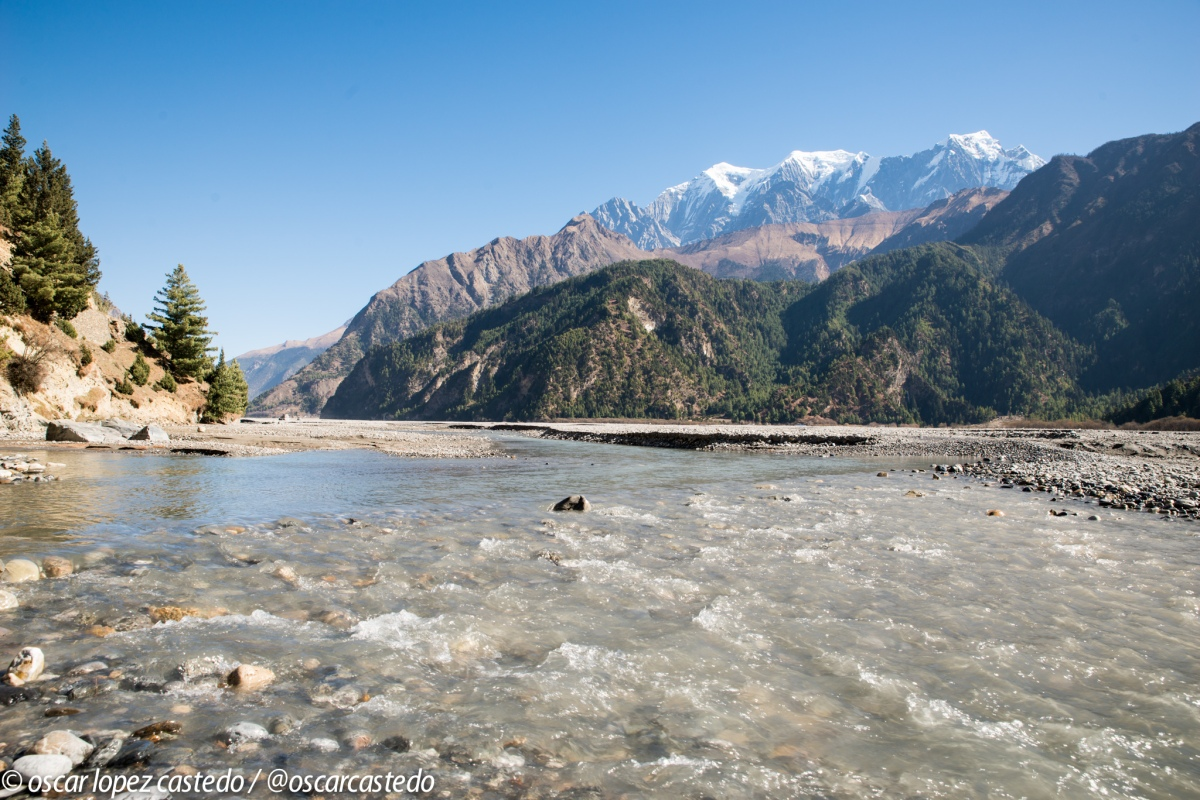 Roadtrip por Nepal, comienza la aventura en moto.